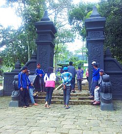 Gedong Songo-Gerbang