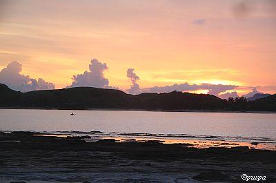 Tanjung Aan-matahari terbenam2