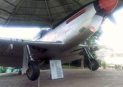 Pesawat Cocor Merah Koleksi Museum Palagan Ambarawa