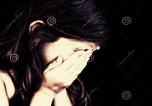 Gadis menangis
