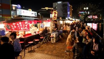 Yatai di Fukuoka (sumber: wikipedia)