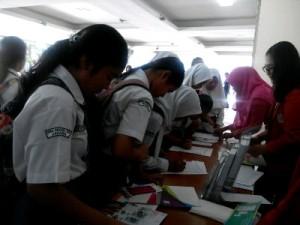 Antusiasnya peserta mengikuti workshop meskipun jalanan macet gara-gara demo angkutan umum