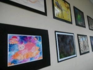 Selasar Dihiasi Lukisan