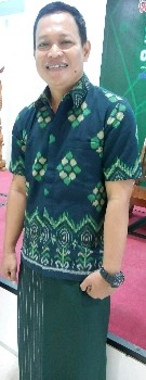 Tajudin Maulana pemilik celana sarung