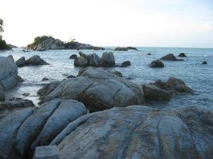 Bebatuan Granit di Pantai Parai Tengiri