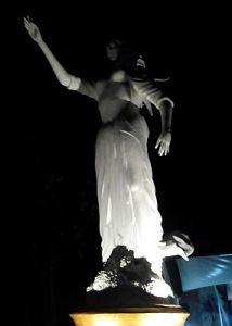 Patung bidadari akan lebih tajam dan cerah jika menggunakan teknologi ISOCELL