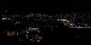 Kota berhiaskan lampu bakal indah jika diabadikan dengan sempurna