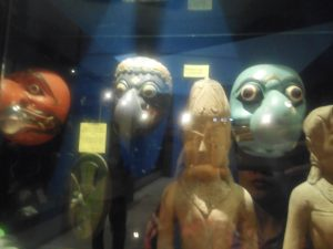 Koleksi ribuan topeng di D'Topeng Kingdom